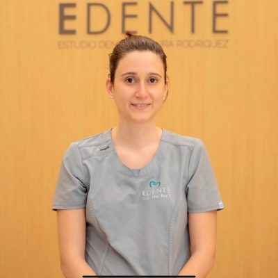 Dra.-Ana-Rey-Odontólogo